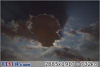 2013: le 26/04Lumière étrange dans le ciel  - Dunkerque (France)  4glg0nrz